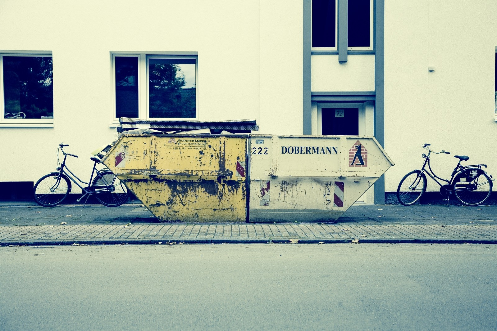 waste-container-garbage-wheel-bike-wheels-bicycles