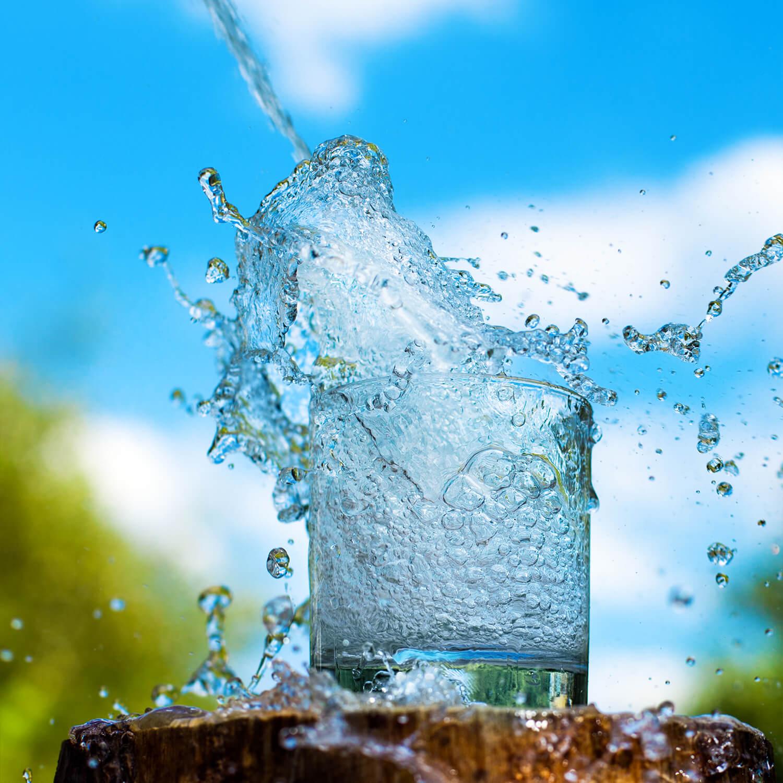 woda z szklank